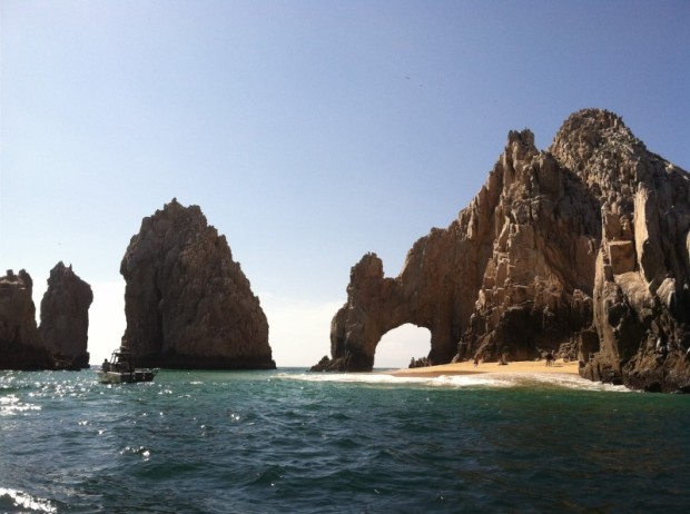 The Cabo Arch, am i the only one who thinks of Laguna Beach and when they went here on there spring break? oh i am, okay