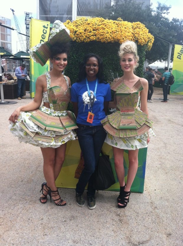 Here i am trying to look cute with the Subway girls, eat fresh and free!